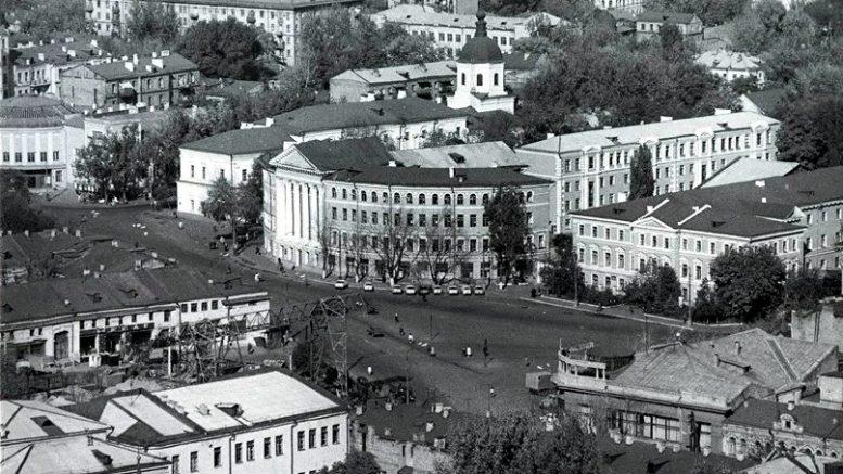 Киев. Подол. Красная Площадь.