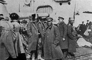 Эвакуация. Это страшное состояние обреченности сопровождает постимперское, а теперь уже и постсоветское общество последние 90 лет… Неужели история так ничему и не научила.