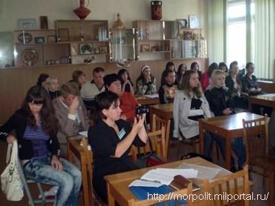 С неподдельным интересом студентами были восприняты выступления украинских и российских маринистов.