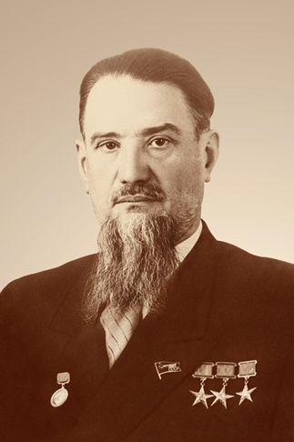 Многие годы жизни Курчатова (1903-1960) неразрывно связаны с Крымом. В январе 2013 года великому русскому учёному исполнилось 110 лет.