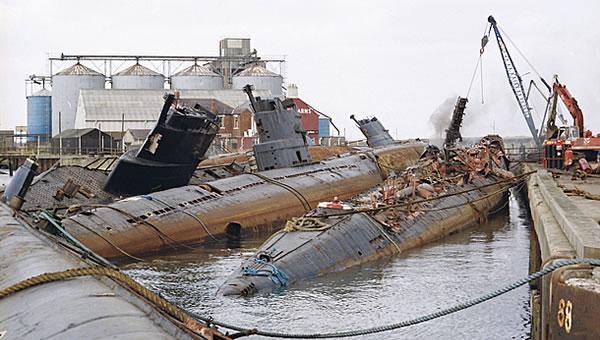 Сотни советских подводных лодок были отправлены на слом.