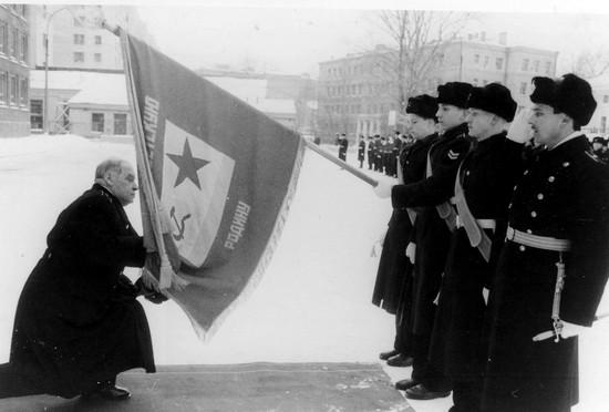 Церемония прощания с Нахимовским училищем перед увольнением в запас. Зима 1989 г.