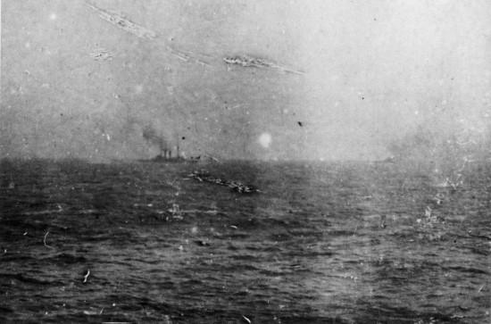 Цусимское морское сражение 27-28 мая 1905 г. Редкая фотография.