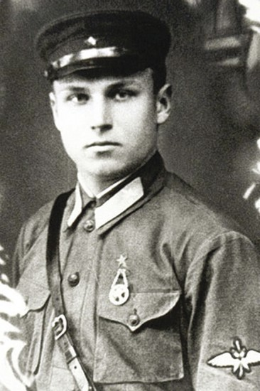 Гвардии старший лейтенант Александр Константинович Горовец