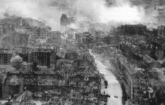 Ruined_Kiev_in_WWII