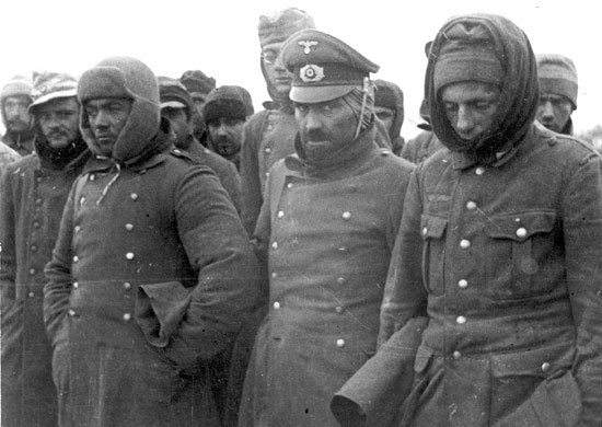 Пленные немецкие солдаты на улицах Ленинграда. 1943 г.