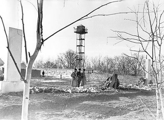 Пограничный наряд у братской могилы. 1969