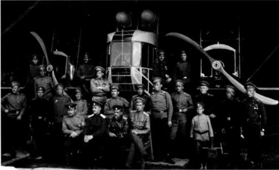 Русские летчики на аэродроме в Станьково, 1916 г.