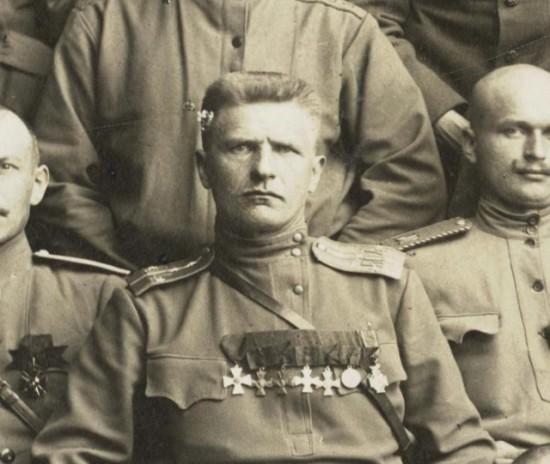 Александр Алябьев - полный георгиевский кавалер: награжден офицерским орденом Святого Георгия и Георгиевским крестом с лавровой ветвью.