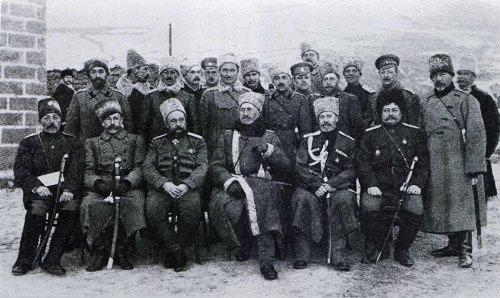 Великий князь Николай Николаевич и генерал Юденич с чинами штаба Кавказской армии.