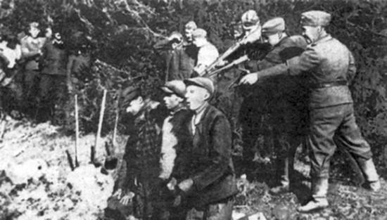 В октябре 1941 года, ходе операции против брянских партизан и окруженцев венгры и немцы потеряли убитыми и ранеными около 3500 солдат и офицеров. Солдаты вымещали свой гнев на мирном населении.