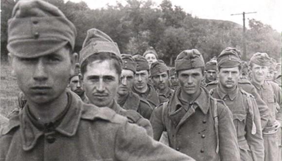 Венгрия фактически оставалась союзницей Германии до 4 апреля 1945 года, — пока Красная Армия не овладела полностью ее территорией.