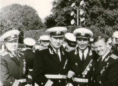 На холме Славы в день принятия присяги  курсантами нового набора. Киев, август 1970 года.