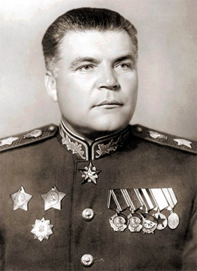 Маршал Советского Союза, командующий 2-м Украинским фронтом Родион Яковлевич Малиновский