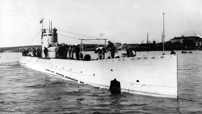 """Подводная лодка Краснознаменного Балтийского Флота """"Л-2""""."""