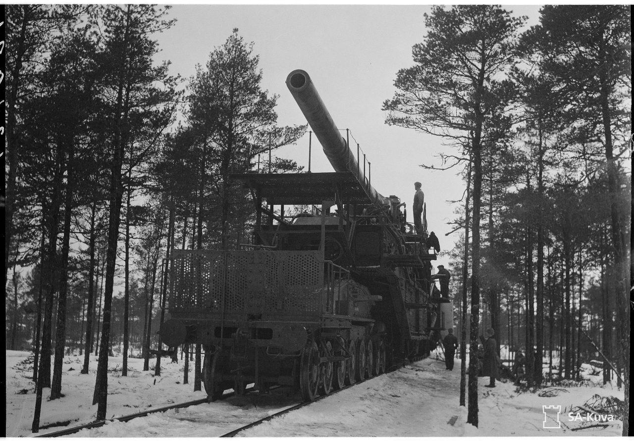 Фото 3. Выезд на транспортере 305 мм, 18 февраля 1943 года, Ханко. Источник: фотобанк Оборонительных сил Финляндии.