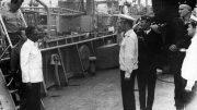 Для встречи президента Анголы А. Нето на палубе БДК выстроен почетный караул