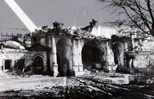 Новый Ирусалим. Основан в 1654 году. Реставрирован в XVIII веке великими архитекторами Растрелли и Казаковым. Взорван немцами.