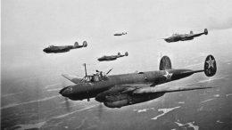 Смело, и инициативно действовали советские летчики в тылу врага.