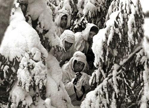Советские разведчики на здании