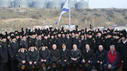 В команду крейсера сегодня входит более 500 человек. Есть среди них и москвичи.