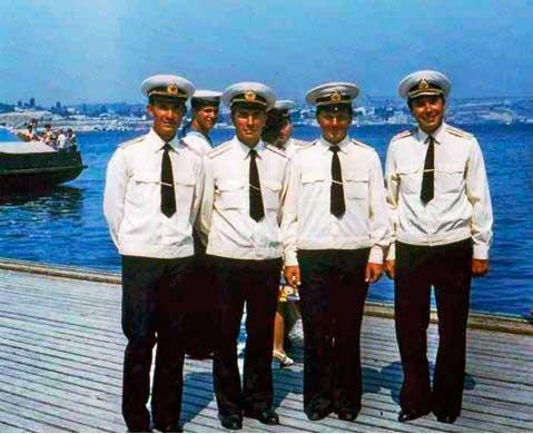 Командиры шлюпок в Новороссийске. Июль 1977 года.
