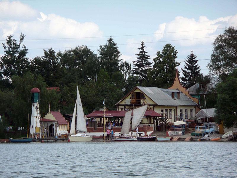 2009 год Создан яхтенный порт