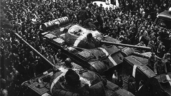 Фото: Engramma.it / National Archives/ The Central Intelligence Agency/ Pavel Adzhigildaev wikipedia