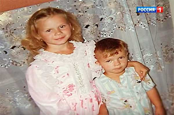 Женя Табаков с сестрой