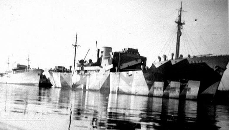 """После включения в состав Кригсмарине """"Гойя"""" получил довольно замысловатый камуфляж."""