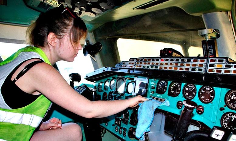 Нелёгок, но благороден труд волонтёров Центрального музея ВВС.
