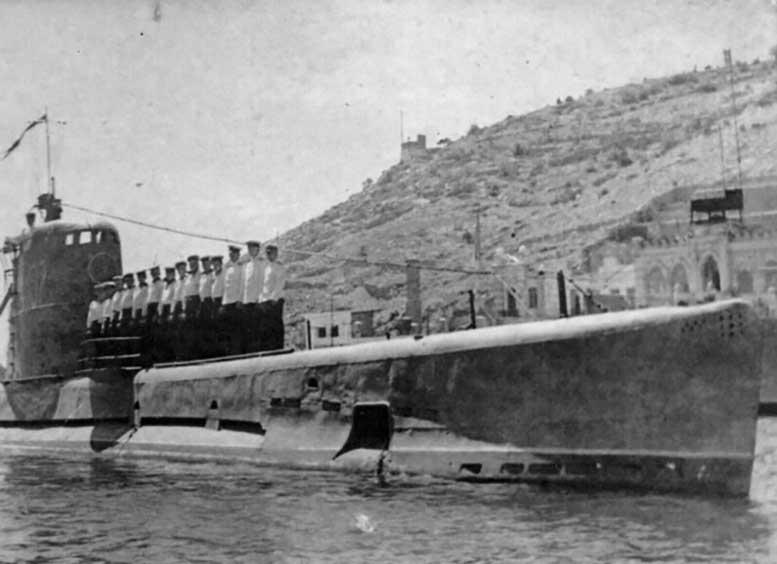 Подводная лодка «М-107» на Черном море.