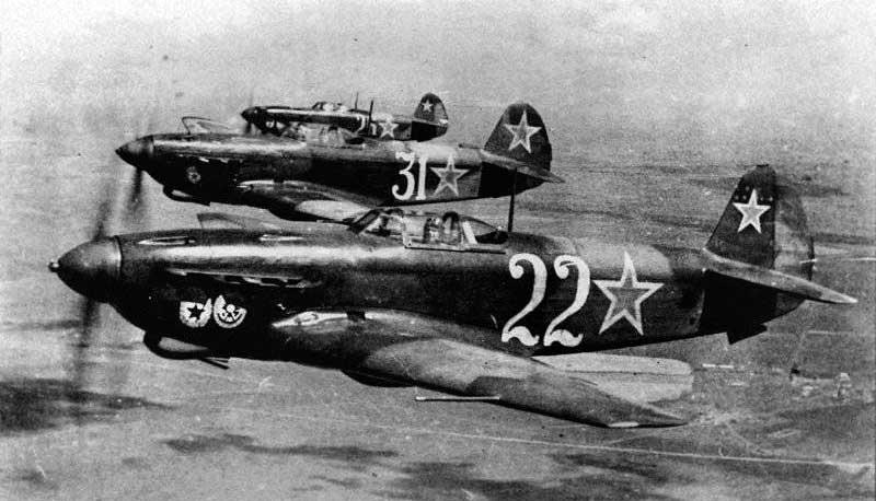 Истребители Як-9Д, 3-я эскадрилья 6-го Гвардейского истребительного авиаполка ВВС Черноморского Флота