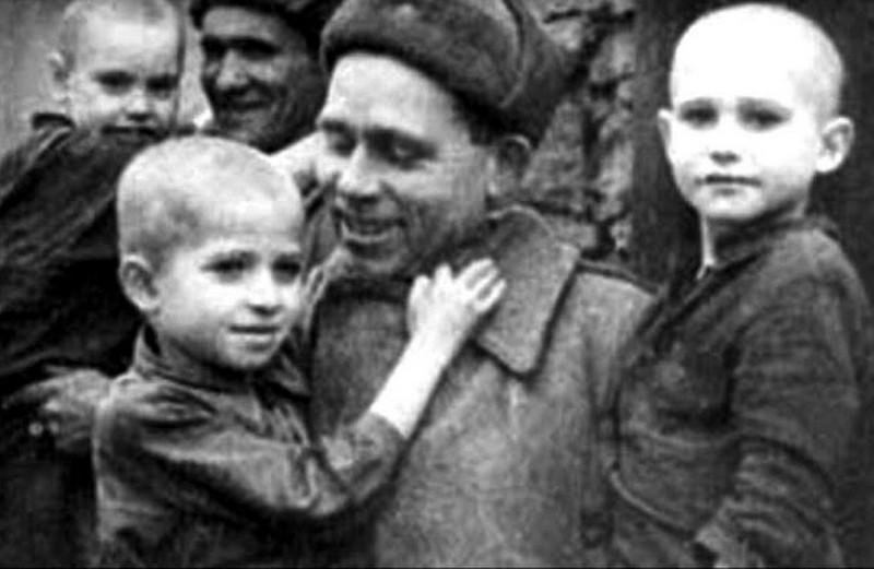 Русский солдат - солдат-освободитель.