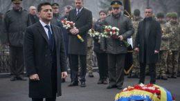 Президент Украины Владимир Зеленский на памятной церемонии в честь героев Крут. 29 января 2020 г.