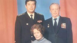 С родителями Геннадием Александровичем и Дели Кабировной 1989 г.