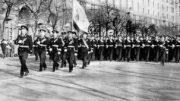 7 ноября 1970 г. Киев, Крещатик. КВВМПУ на параде.